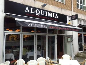 restaurant signs in grays thurrock